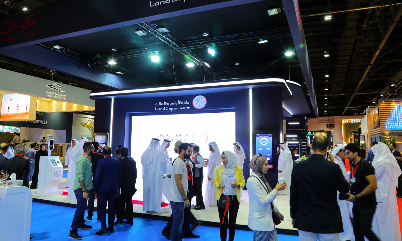 HH Sheikh Hamdan bin Mohammed bin Rashid Al Maktoum, Crown Prince of Dubai and Chairman of the Executive Council of Dubai, visited Dubai Land Department's (DLD's) platform on the first day of Cityscape Global 2018, organised by Informa Exhibitions in a strategic partnership with DLD.